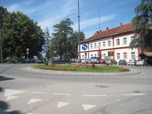 Loznica, roundabout near the courthouse